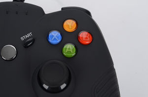 Black Cheap USB Wired Gamepad for xBox 360 & Window PC Controller pictures & photos