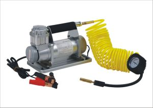 DC 12V/24V 150psi Mini Air Compressor for Car pictures & photos