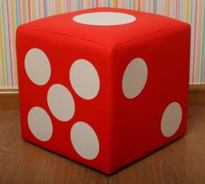 Colorful Dice Upholstered Toddler Step Stool for Children (SXBB-184) pictures & photos
