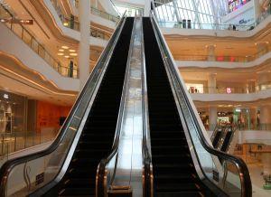 FUJI Escalator 35 Degree 600mm Step Width Escalator pictures & photos
