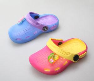 OEM Fashion Custom Children′s Clogs pictures & photos