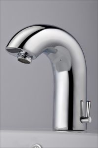 2015 Hot Selling New Arrival Touchless Automatic Sensor Faucet pictures & photos