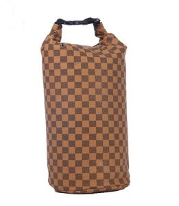 15L Check Fabric Waterproof Camping Backpack (MC4025) pictures & photos