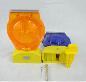 Road Safety Red Flashing Traffic Barricades Solar Warning Light pictures & photos