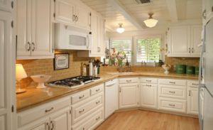 The Yellow Kitchen Countertop Semiprecious Bar Tops pictures & photos