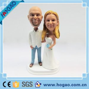 Modern Hot Selling New Customized Resin Wedding Couple Bobble Head pictures & photos