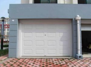 Sectional Automatic Garage Door (40mm thick) pictures & photos