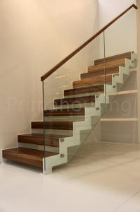 Interior Solid Wood Staircase with Tempered Glass Railing Design pictures & photos