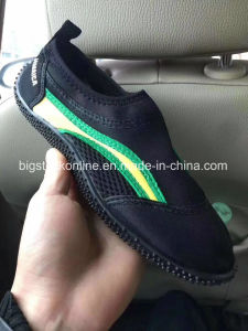 Men and Women Shoes, Have 70000pairs. USD0.59/Pairs pictures & photos