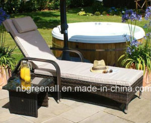 Adjustable Sun Lounger/Rattan Garden Furniture/Rattan Chaise Lounge pictures & photos