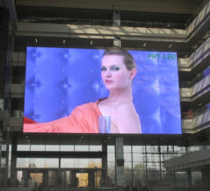 Professional Outdoor Video LED Curtain Display with Pitch 10mm pictures & photos
