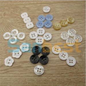 High Quality 4-Holes Resin Buttons for T-Shirts pictures & photos