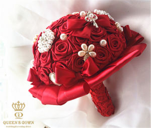DIY Handmade Silk Roses with Rhinestone Pearl Bridal Bouquet Bridesmaid Group pictures & photos