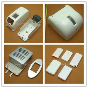 Custom Plastic Injection Molding/Molded Protector pictures & photos