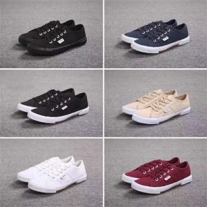 Unisex Canvas Shoes Woman Man Causal Shoes Fabric Rubber Sole Shoes pictures & photos