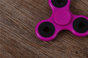 Good Quality, Tri Fidget Hand Spinner Toy with Nano Stainless Steel Bearings Finger Spinner pictures & photos