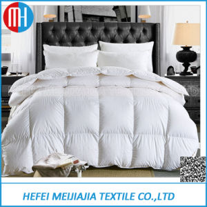 100% Cotton Home/Hotel White Duck Down Quilt pictures & photos