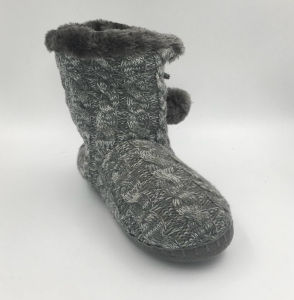 Multi Knit Pompom Boots for Lds pictures & photos