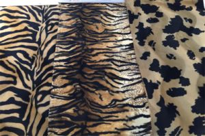 Animal Pattern Printed Velvet Fabric for Upholstery (EDM5079) pictures & photos