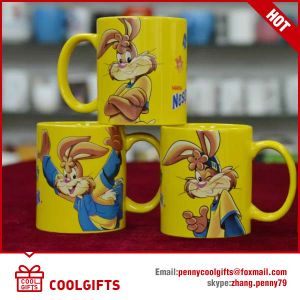 Christmas Promotional Ceramic Coffee Cup with Special Shape pictures & photos