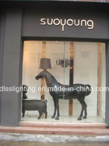 2017 Modern Standing Black Hotel Project Horse Floor Lamp pictures & photos