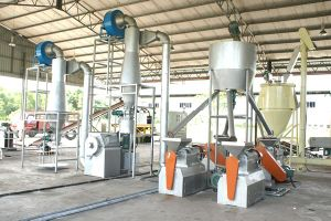 Rubber Powder/Granule Making Machinery pictures & photos