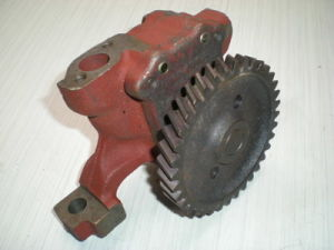 Oil Pump for Mtz T80 Tractor pictures & photos
