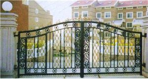 Residential Wrought Iron Gate pictures & photos