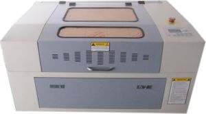 Mini-6040 50W CO2 Invitatation Card Laser Cutter for Your Use pictures & photos