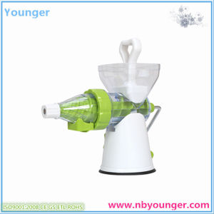 Apple Cutter/Apple Slicer pictures & photos
