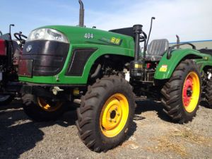 John Deere 40HP 4WD Agriculture Tractor with Front Loader/Snow Blade/Plough/Trailer pictures & photos