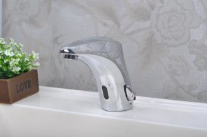 2015 China Brass Automatic Touch Free Wash Basin Tap pictures & photos
