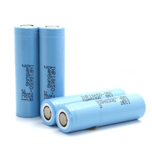 Samsung Li-ion 18650 2500mAh 20A High Capacity Li-ion Rechargeable Battery Samsung 25r 18650 pictures & photos