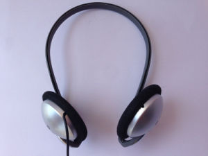 OEM Manufacturer Wired Headphone Sports Stereo Earphone pictures & photos