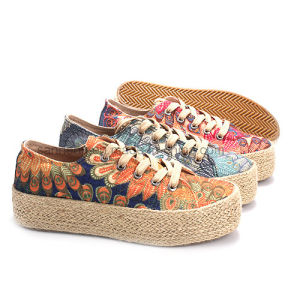Women Shoes Hemp Rope Canvas Shoe Slip-on Shoes with Totem pictures & photos