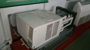 Energy Saving Window Mounted Type Hybrid Solar Air Conditioner pictures & photos