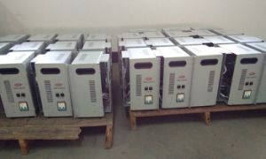 High Efficiency Thermo Protective Voltage Stabilizer pictures & photos