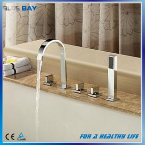 Bathroom Widespread 3PCS Rainfall Bathtub Faucet Mixer with Hand Shower pictures & photos