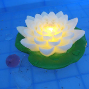 Floating Garden Pool Use Romantic Lotus LED Flower with Multicolor pictures & photos