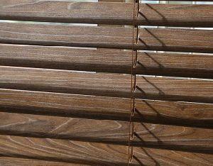 Elegant Classic Wooden Venetian Blinds pictures & photos