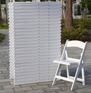 White Resin Folding Chair with Cushion pictures & photos
