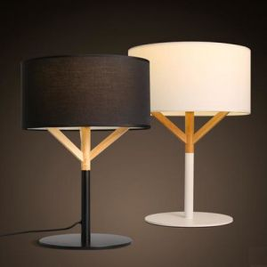 Modern Oak Wood Table Lamp with Fabric Shade (WHT-050) pictures & photos