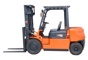 4t Hydraulic Diesel Forklift with Yanmar Engine pictures & photos
