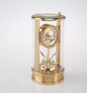 Gold Color Skeleton Dial Roman Numerals Mantel Desk Clock pictures & photos