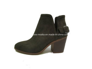 Comfortable Lady Fashion Women Chunky Heel Ankle Casual Boots pictures & photos
