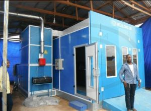 Car Spray Paint Booth with Best Price Wld9000 pictures & photos