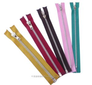 2014 Hot Sell Metal Zipper with Stock Sell pictures & photos