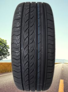 Passenger Car UHP Tires 225/55r17 235/55r17 pictures & photos