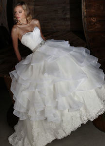 Full Length White Ball Gown Wedding Dress Gown (CL1009)