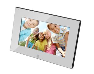 7 Inch 16: 9 Digital Panel Digital Photo Frame pictures & photos